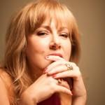 Elli Paspala chante des chansons des pays méditerranéens à Nauplie